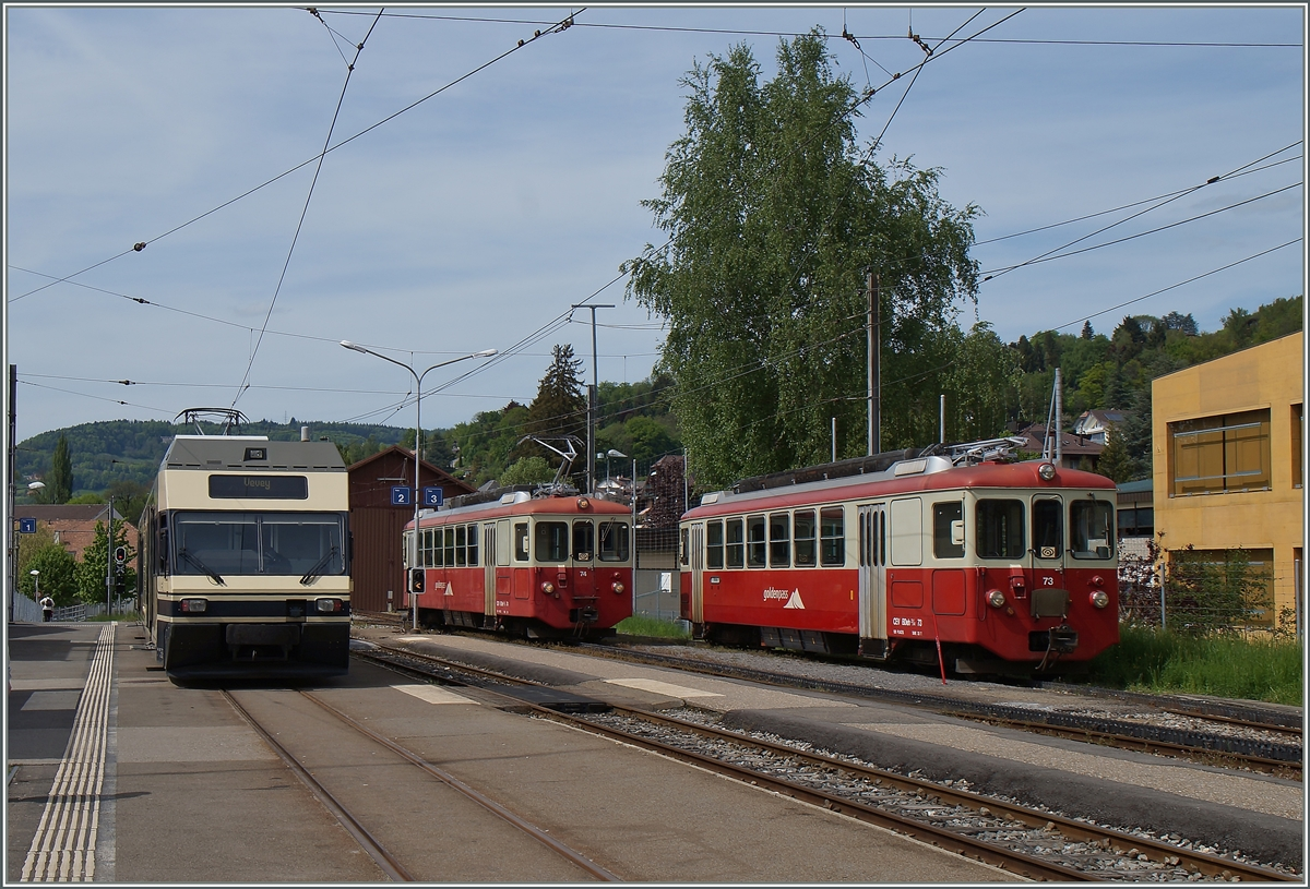 CEV GTW Be 2/6 und BDeh 2/4 74 und 73 in Blonay. 