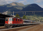 re-44-ii-2-serie/518377/sbb-ir-locarno-basel-mit-der-re SBB: IR Locarno-Basel mit der Re 4/4 II 11195 in Airolo am 13. September 2016.